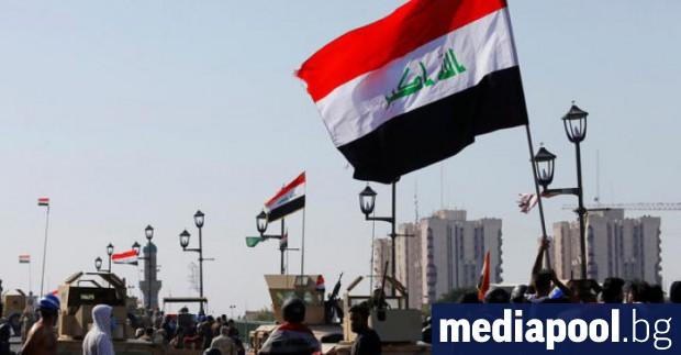 Десетки иракски антиправителствени демонстранти блокираха достъпа до пристанището Ум Каср,