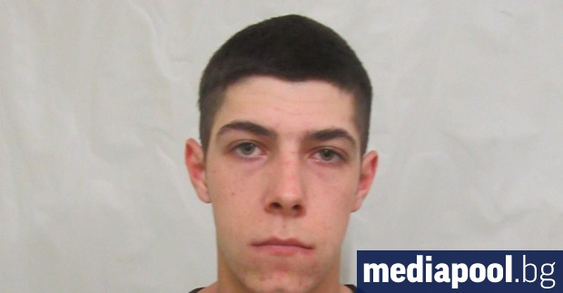Полицията е арестувала 18-годишния Мартин Шахънски, който през нощта срещу