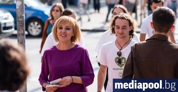 Снимка: Мая Манолова: Властта се окупира от малка група хора - нито леви, нито десни, която работи срещу гражданите