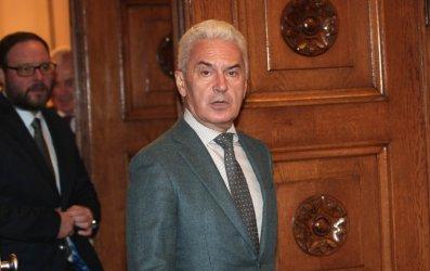 Сидеров депозира оставката си в парламента