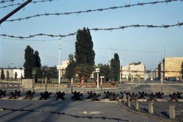 Как България проспа 9 ноември и пробива в Стената
