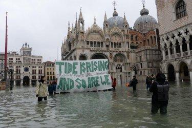 Климатичните промени и корупцията потопиха Венеция