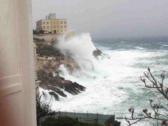 Популярните италиански туристически дестинации бяха връхлетени от бури