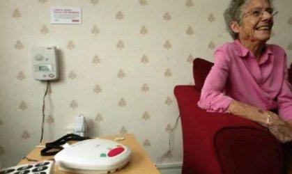 Виртуални асистенти помагат на възрастни хора да са независими въпреки годините и заболяванията