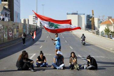 Важни пътища в Ливан отново са отворени след двудневна блокада