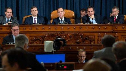 Комисията по разузнаване одобри доклада от разследването за импийчмънт