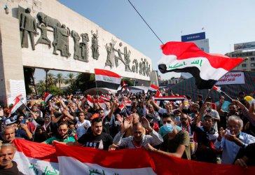 Антиправителствени демонстранти в Ирак блокираха пътища