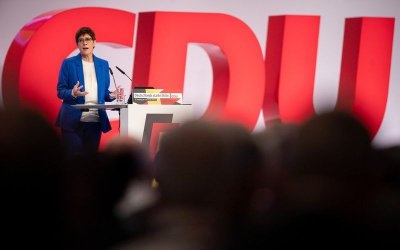 Бурен конгрес за консерваторите на Ангела Меркел