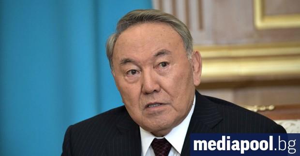 Бившият президент на Казахстан Нурсултан Назарбаев каза днес, че опитва