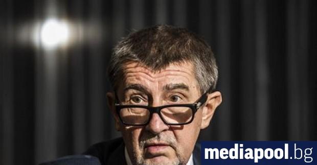 Чешкият премиер -милиардерът Андрей Бабиш, чийто позиции са отслабени от