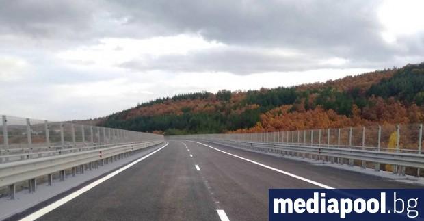 Ремонтът на виадуктите при 17-ти и 18-ти км на магистрала