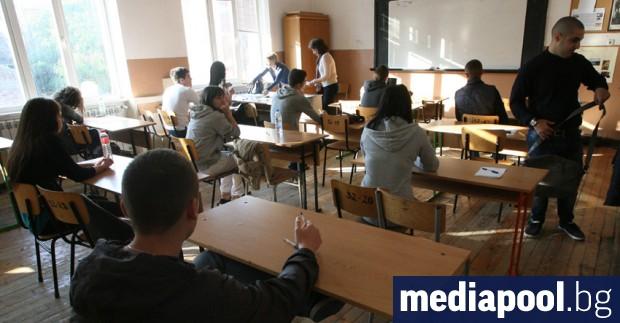 Резултатите на българските деветокласници по четене с разбиране остават стабилно