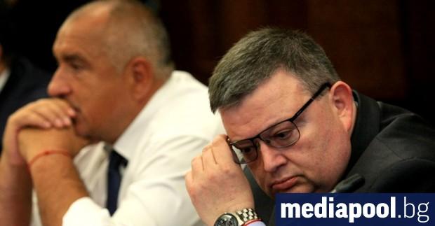 Снимка: Цацаров в КПКОНПИ: Ти си го избра стана Ти си го преизбра