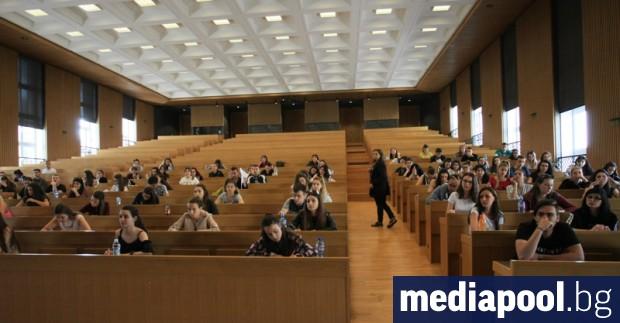 В университетите може да бъде въведена форма на обучение, подобна