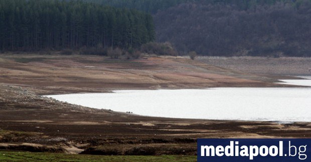 Перничани ще имат вода пет часа сутрин и пет часа