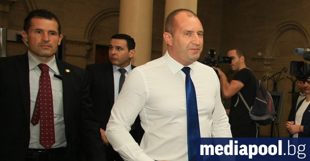 Президентът Румен Радев каза, че ще се произнесе за Иван