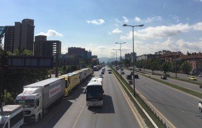 Превозвачи плашат да оставят магазините празни на 13 януари