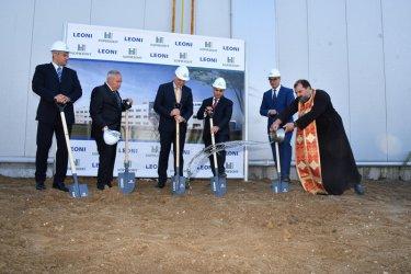 Караниколов: Догодина очаквам в България да има завод за електромобили