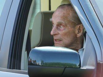 Принц Филип, съпругът на британската кралица, е приет в болница