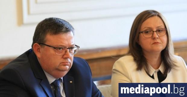Часове след като парламентът гласува Сотир Цацаров да оглави антикорупционната