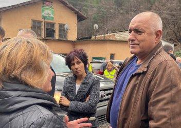 """""""И аз съм селянин от Банкя, като тебе!"""", """"Ето я корупцията!"""" и още откровения от обиколката на Борисов в Родопите"""