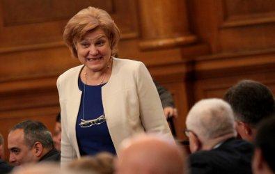 Менда Стоянова: Българинът е изтъркал лотарийни талони за 1 млрд. лв. през 2018 г.