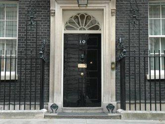 Лондон извика иранския посланик по повод ареста на британския посланик в Техеран