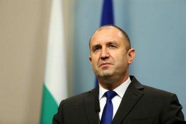 Румен Радев: Пожарите не се гасят с оставки и пари