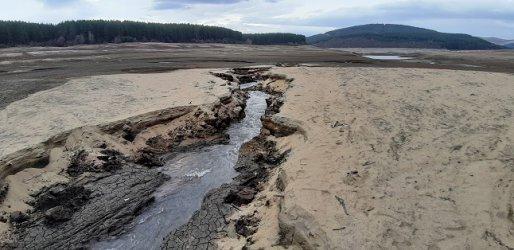 Планът: Перник да се захранва с вода от София
