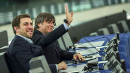 ЕП ще разгледа искането на Испания за сваляне имунитета на Пучдемон