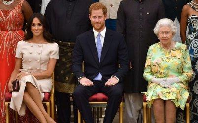 Британското кралско семейство спешно търси изход от ситуацията с Хари и Меган