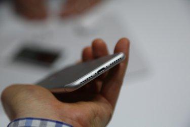 Епъл ще пусне нов, по-евтин айФон от февруари