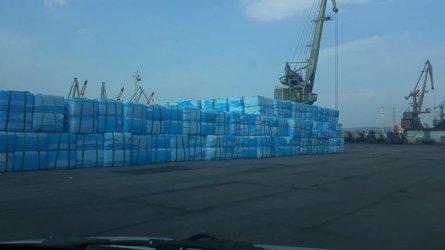 Проверяват още 102 контейнера с италиански боклук във Варна