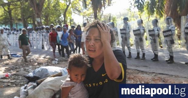 Мексиканските власти приложиха по-строги мерки срещу мигранти от Централна Америка,