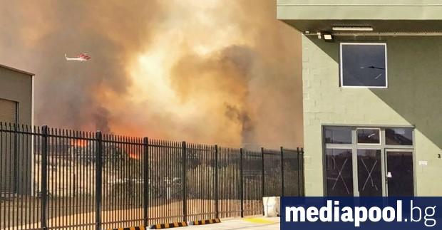 Жителите в някои райони на австралийската столица Канбера бяха евакуирани
