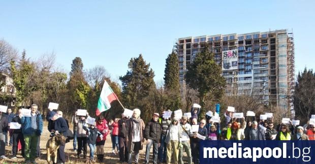 Десетки жители на Варна протестираха срещу презастрояването на града. В