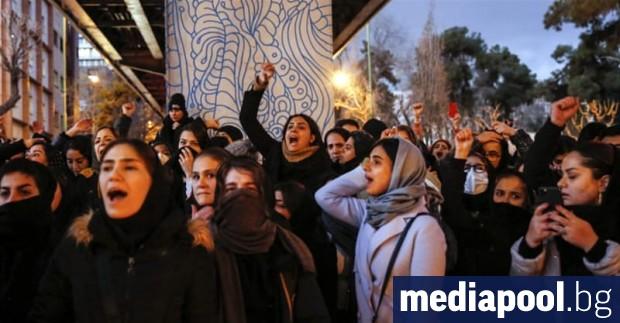 Подкрепата на президента Доналд Тръмп за антиправителствените протестиращи в Иран
