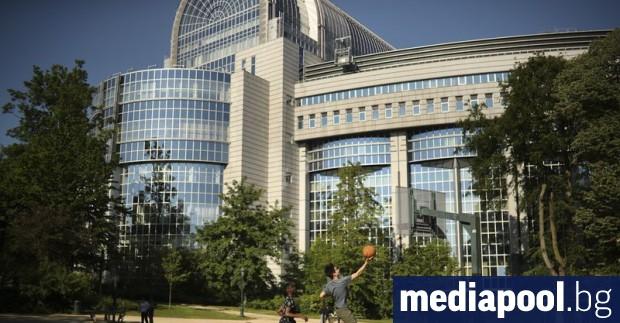 Европейската комисия потвърди в петък медий