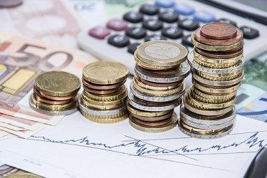 МВФ: Вдигнете максималния осигурителен доход и данък сгради