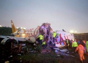 Загиналите при самолетната катастрофа в Истанбул са станали трима