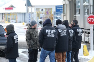 Prosecutor General Ivan Geshev raids checkpoint Kalotina, arrests 30 customs officers