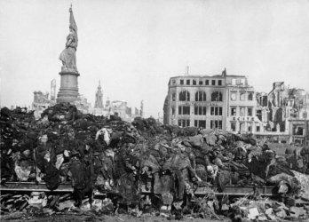 И след 75 години бомбардировката на Дрезден тегне на града