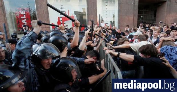 Президентът на Русия Владимир Путин прикани опозицията да представи пред
