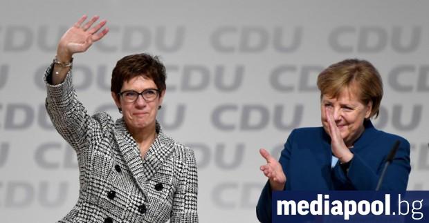 Анегрет Крамп-Каренбауер, която бе смятана за евентуален приемник Ангела Меркел