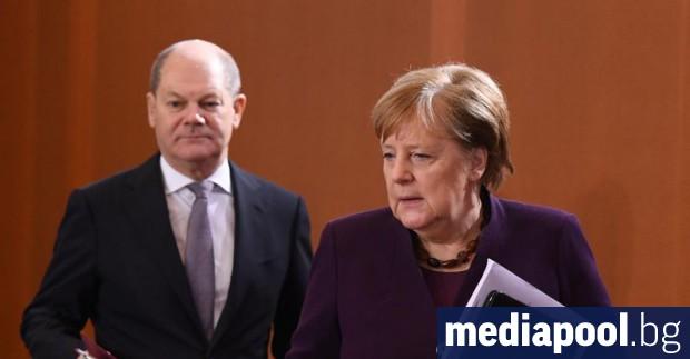Намеренията на канцлера Меркел да осигури плавен преход в процеса