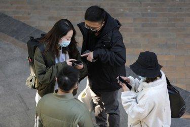 Азия се готви за ответна вълна на коронавируса след завръщането у дома на местни жители