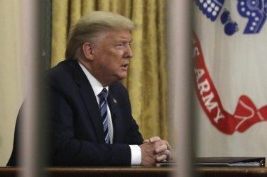 Решението на Тръмп да забрани достъпа на европейци в САЩ вече има нежелани последици