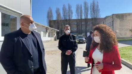 В болниците все още няма достатъчно маски, но Борисов вече се надява да зарежда ЕС