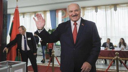 """Президентът на Беларус разкритикува """"психозата"""" около коронавируса"""
