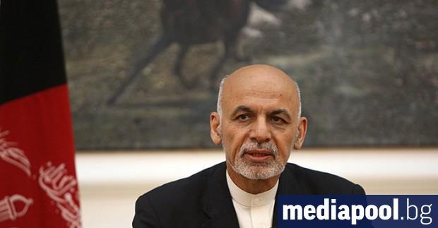 Афганистанският президент Ашраф Гани положи клетва, за да встъпи в